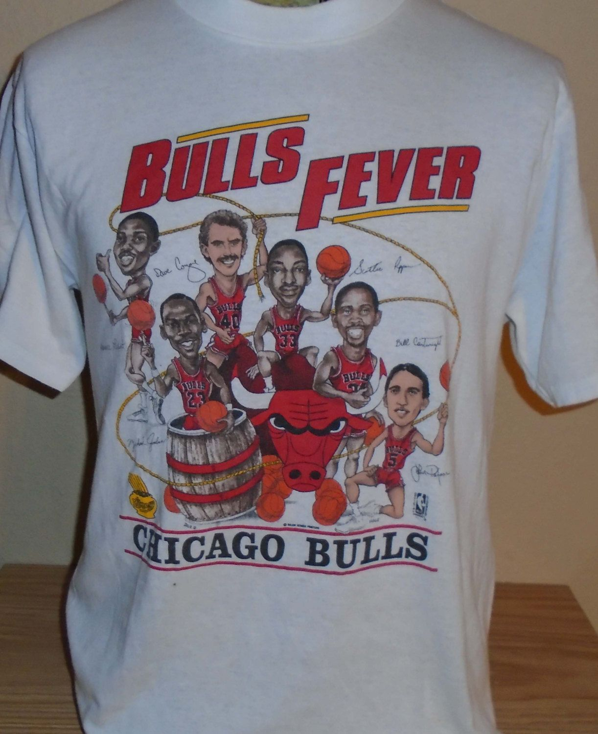 16c3ebff4d8a vintage Chicago Bulls NBA t shirt Michael Jordan t shirt Cartoon by  vintagerhino247 on Etsy
