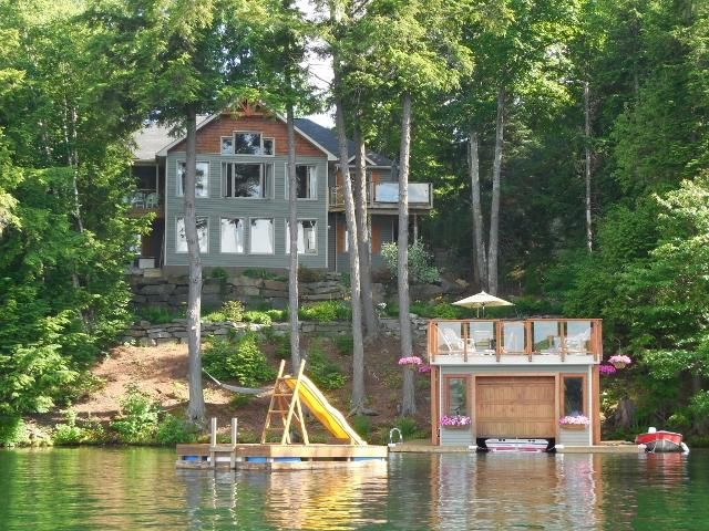 Stunning Home/Cottage on Clear Lake