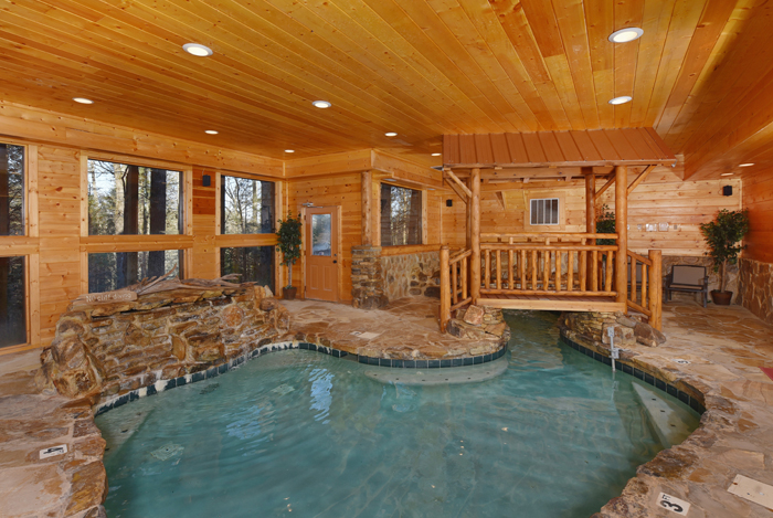 Pigeon Forge Tn Cabins Copper River In 2020 Tennessee Cabins Pigeon Forge Cabins Indoor Pool