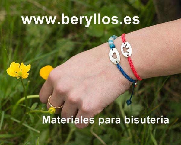 Pulseras a base de hilo de micro-macramé S-Lone bead Cord: hilos de calidad para #bisuteria. http://www.beryllos.es