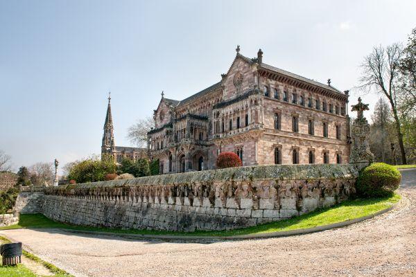 /Palacio-de-Sobrellano-Comillas.