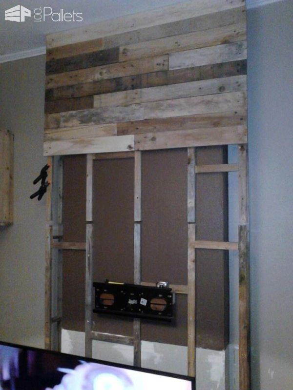 Wall from pallet wood mur en bois de palettes for Fernsehwand holz