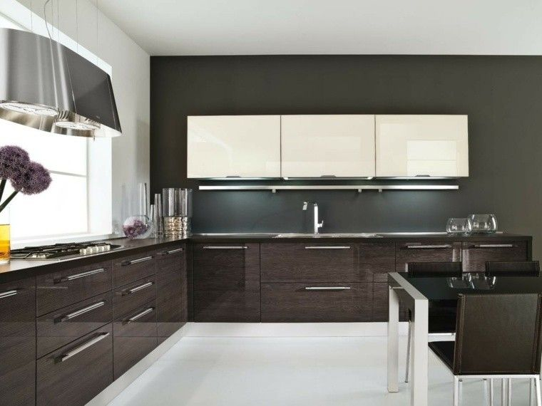 cocina pared oscura muebles blancos ideas Interiores para cocina