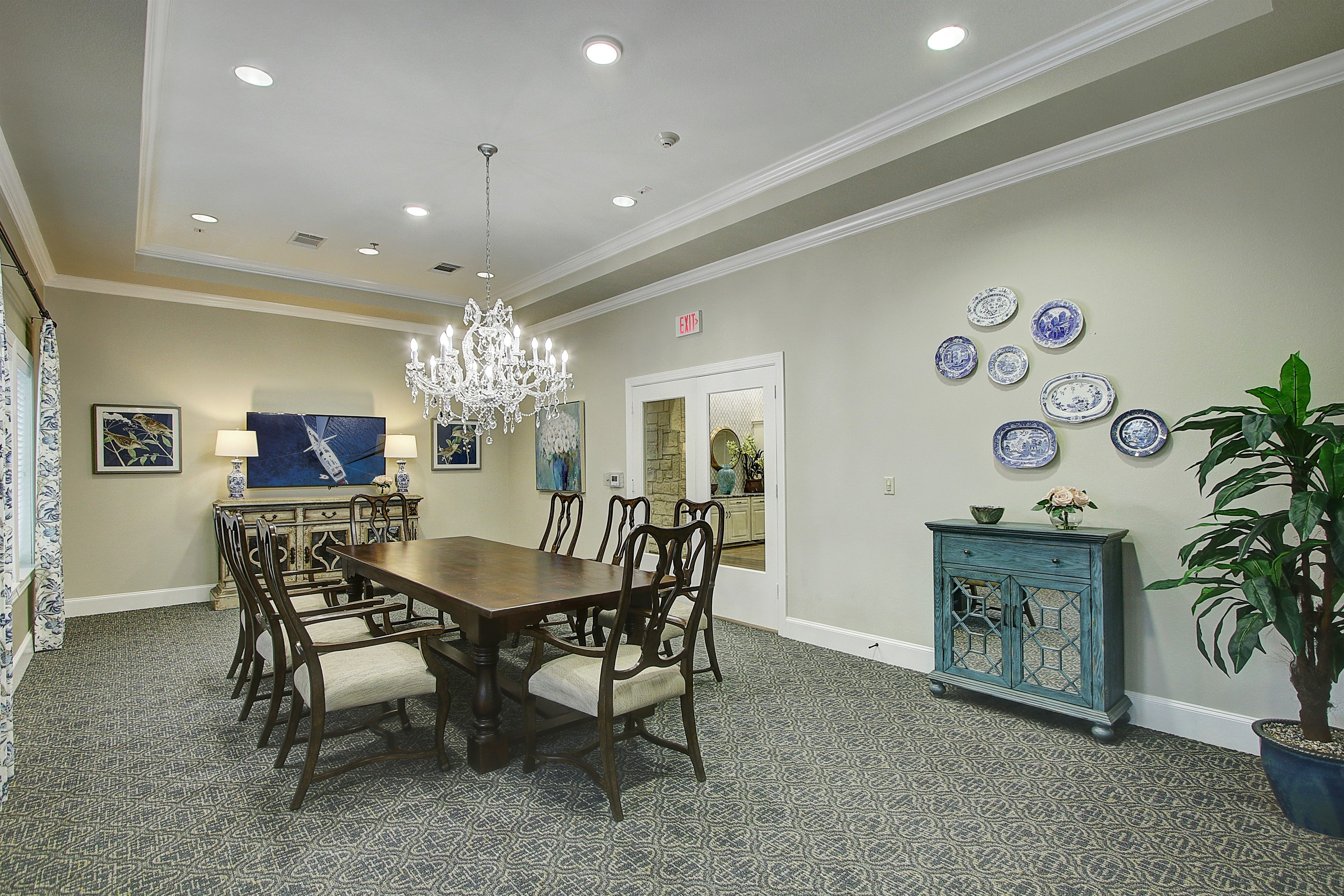 The Oaks At Flower Mound Assisted Living And Memory Care Is A Community Built On Passion With Purpose W Assisted Living Floor To Ceiling Windows Cozy Interior