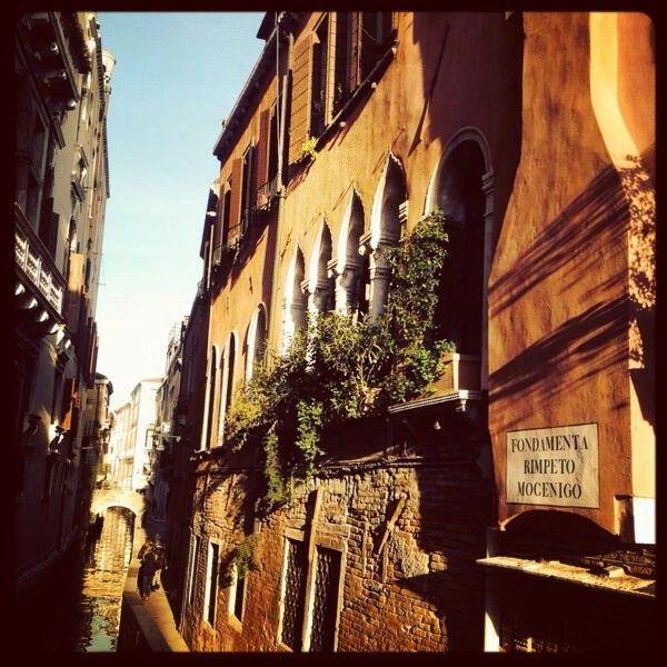 Verso Palazzo Mocenigo, Venezia #palazzomocenigo #venezia #art #architecture