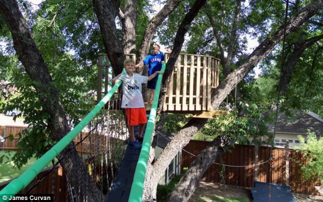 The world's most incredible tree house: Scaled down mansion ...