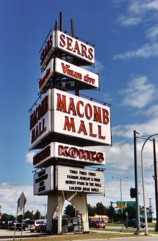 Macomb Mall Sign Roseville Michigan Detroit Michigan Detroit