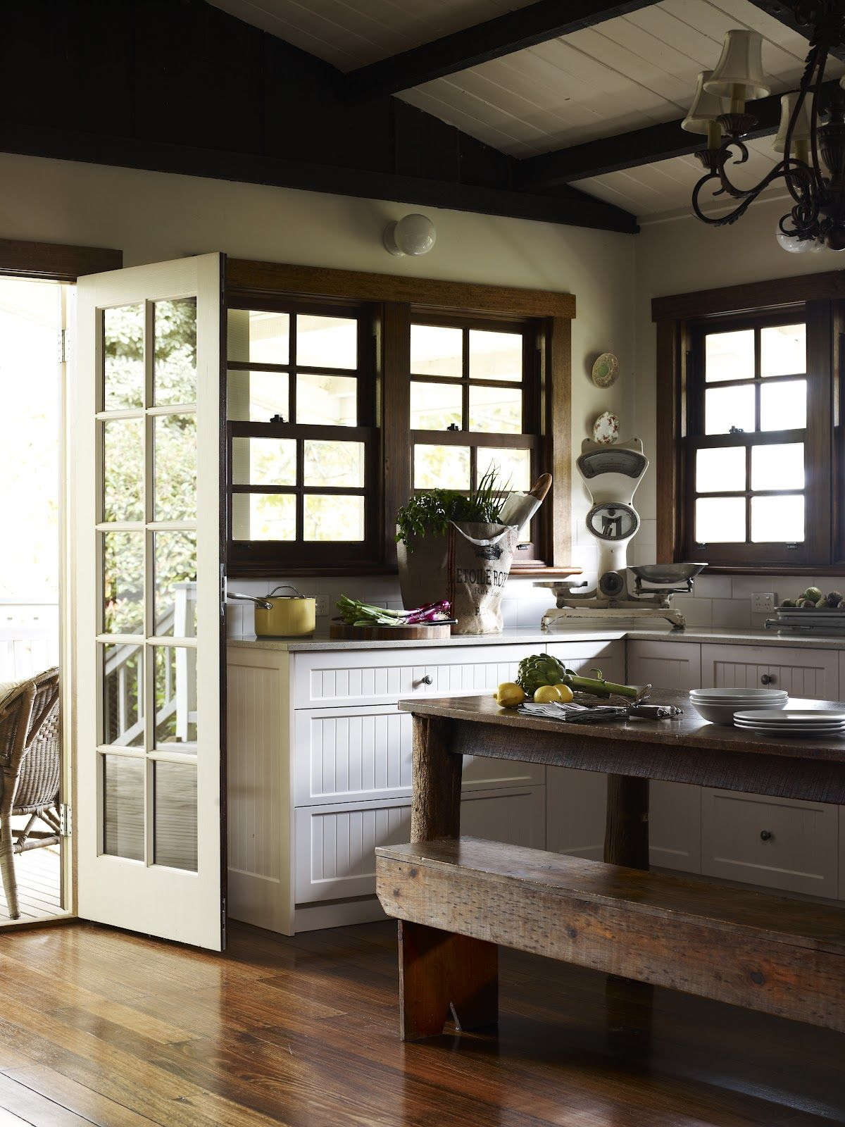Best Beautiful South Country Kitchens Country Kitchen 400 x 300