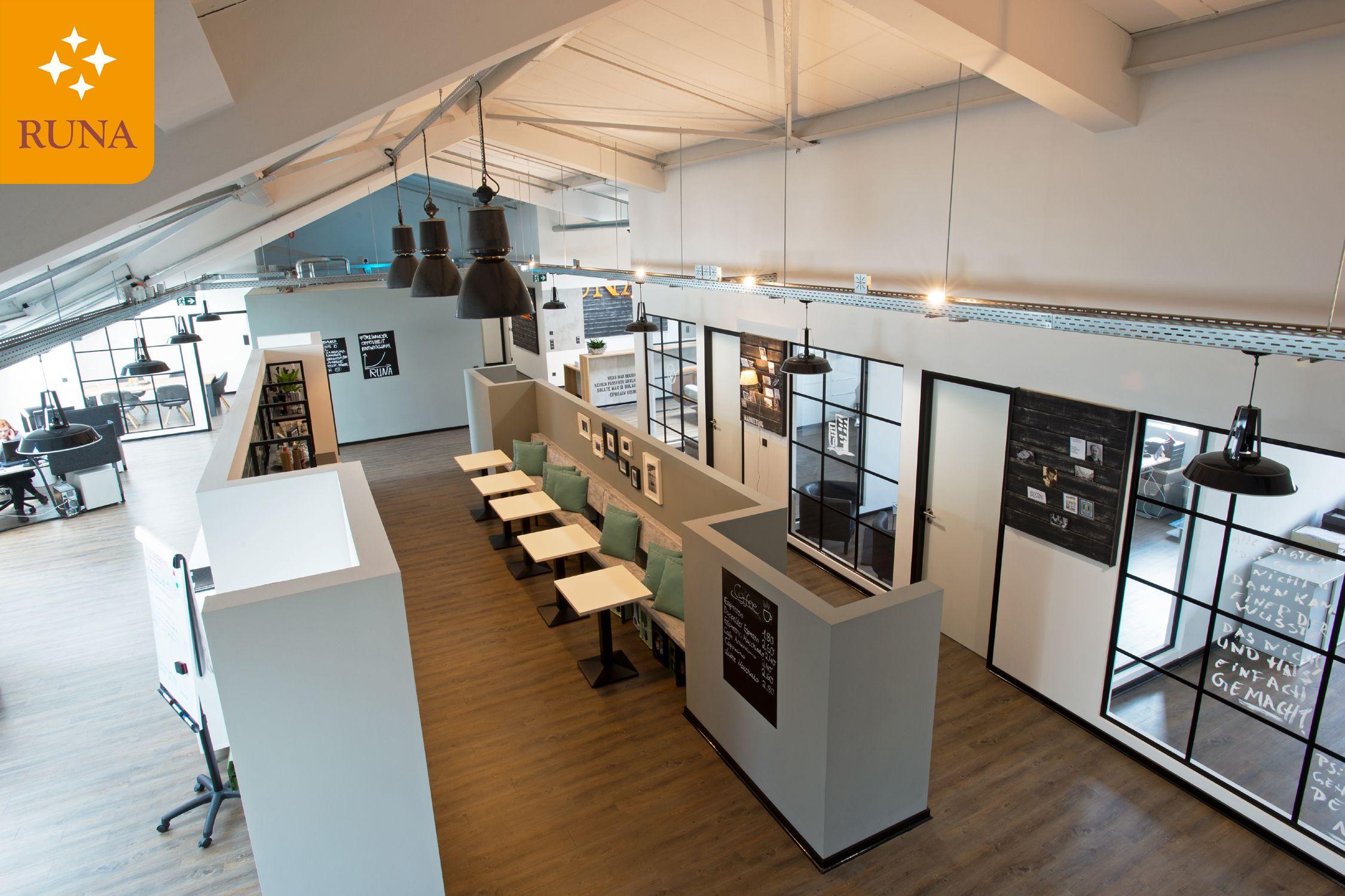Das moderne Industrie-Loft-Büro entstand in einem ehemaligen ...