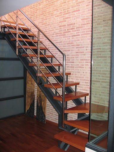 Escaleras en hierro y de todo tipo entrepisos herreria for Escaleras interiores de hierro
