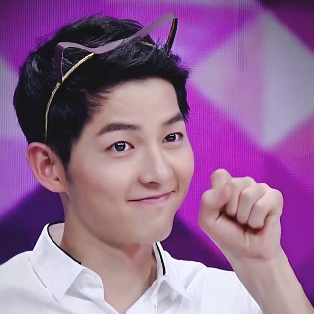 Ratings for Joong Ki's Happy Camp episode: 2.61% - It is the highest rating so far for 2016 - Song Joong Ki Happy Camp is also trending on Weibo at seventh place (Lol this episode is so funny!!! Joong Ki is so participative and he blends well with the hosts. Jia Ling is so funny too <and lucky at the same time>)