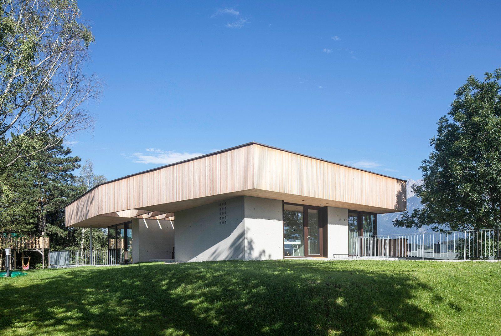 haus mit hut einfamilienhaus in tirol von ao architekten tyrol and haus. Black Bedroom Furniture Sets. Home Design Ideas