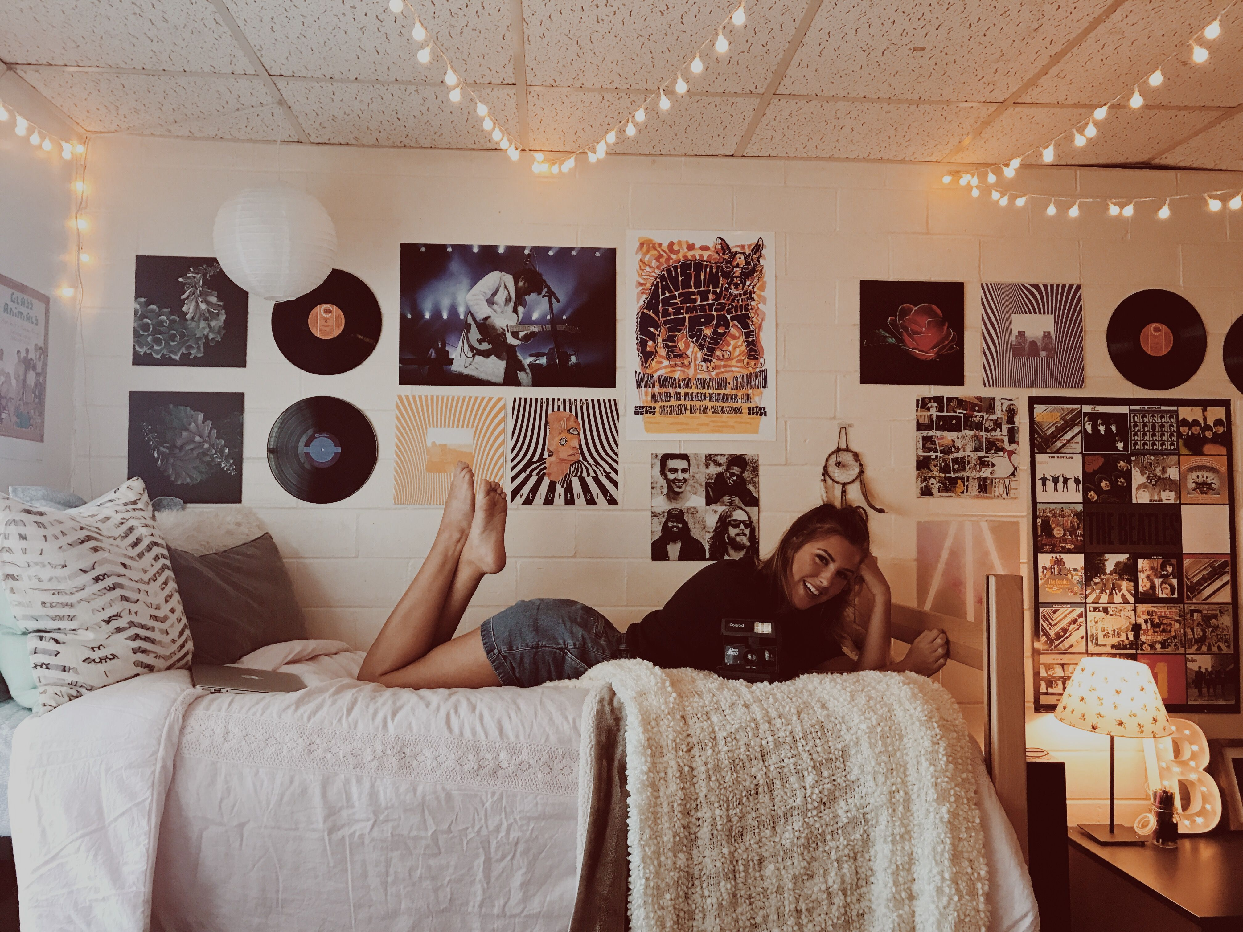 Best college dorm rooms fall 2018 greekrank - College dorm room ideas examples ...