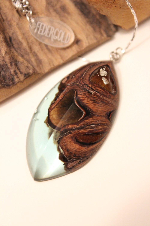 Silber Halskette Mit Holz Harz Anhanger Handgemacht Aus Australischem Holz Und Turkis Blauem Kunsthar Wood Resin Jewelry Resin Jewelry Resin Pendant Necklace