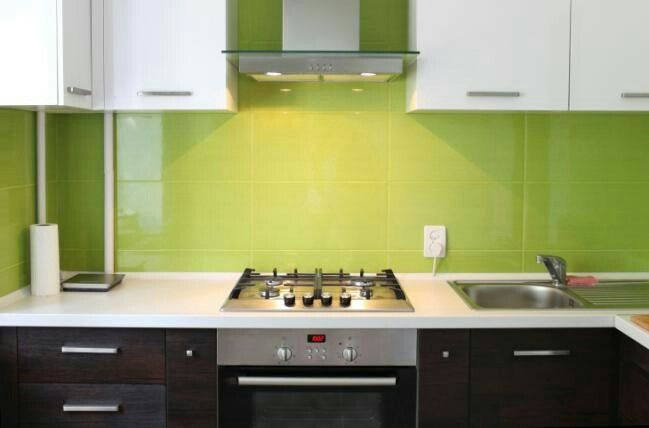 Colores Verde Manzana O Turquesa Dan Alegria A La Cocina Kitchen Color Trends Contemporary Kitchen Cabinets Modern Kitchen Design