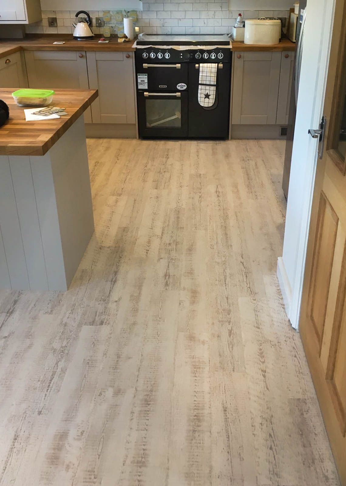Simply Stunning Domestic Flooring Installation By S D Flooring Light Kitchen And Dining Karndean Design Flooring Modern Kitchen Flooring Vinyl Sheet Flooring