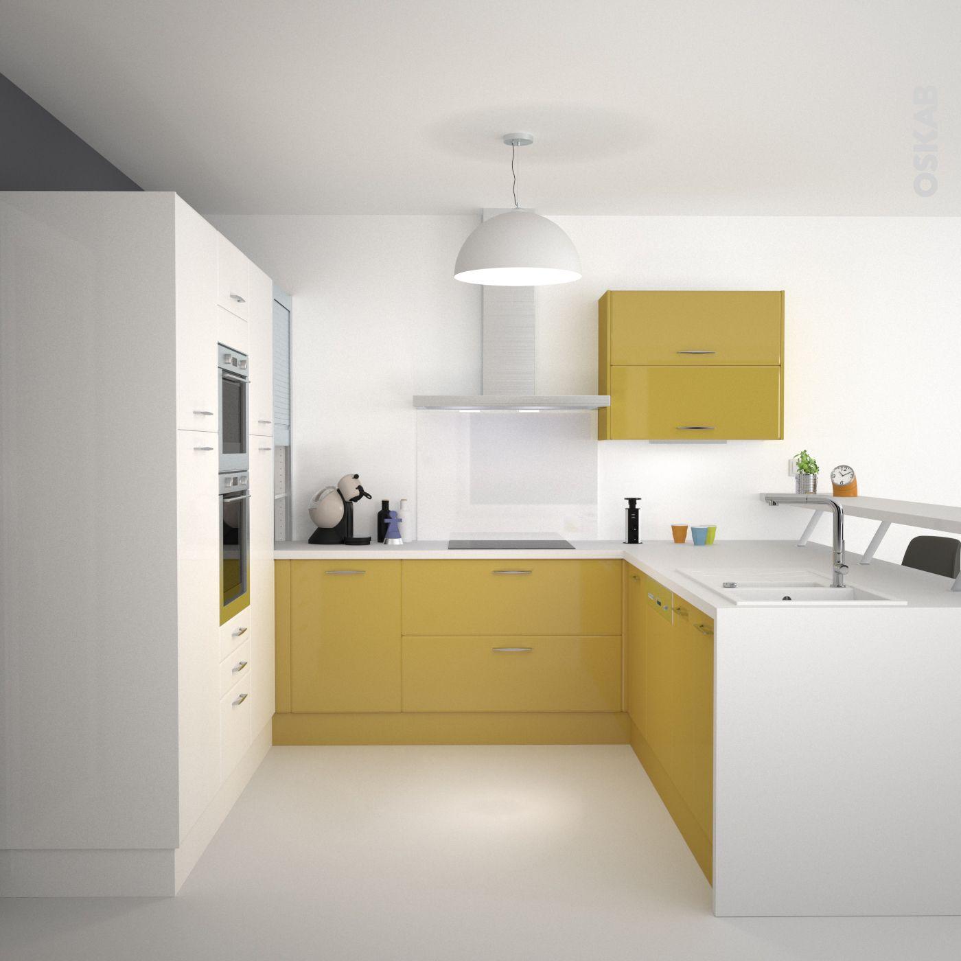 Cuisine jaune et blanche au style design et épuré, implantation en U ...