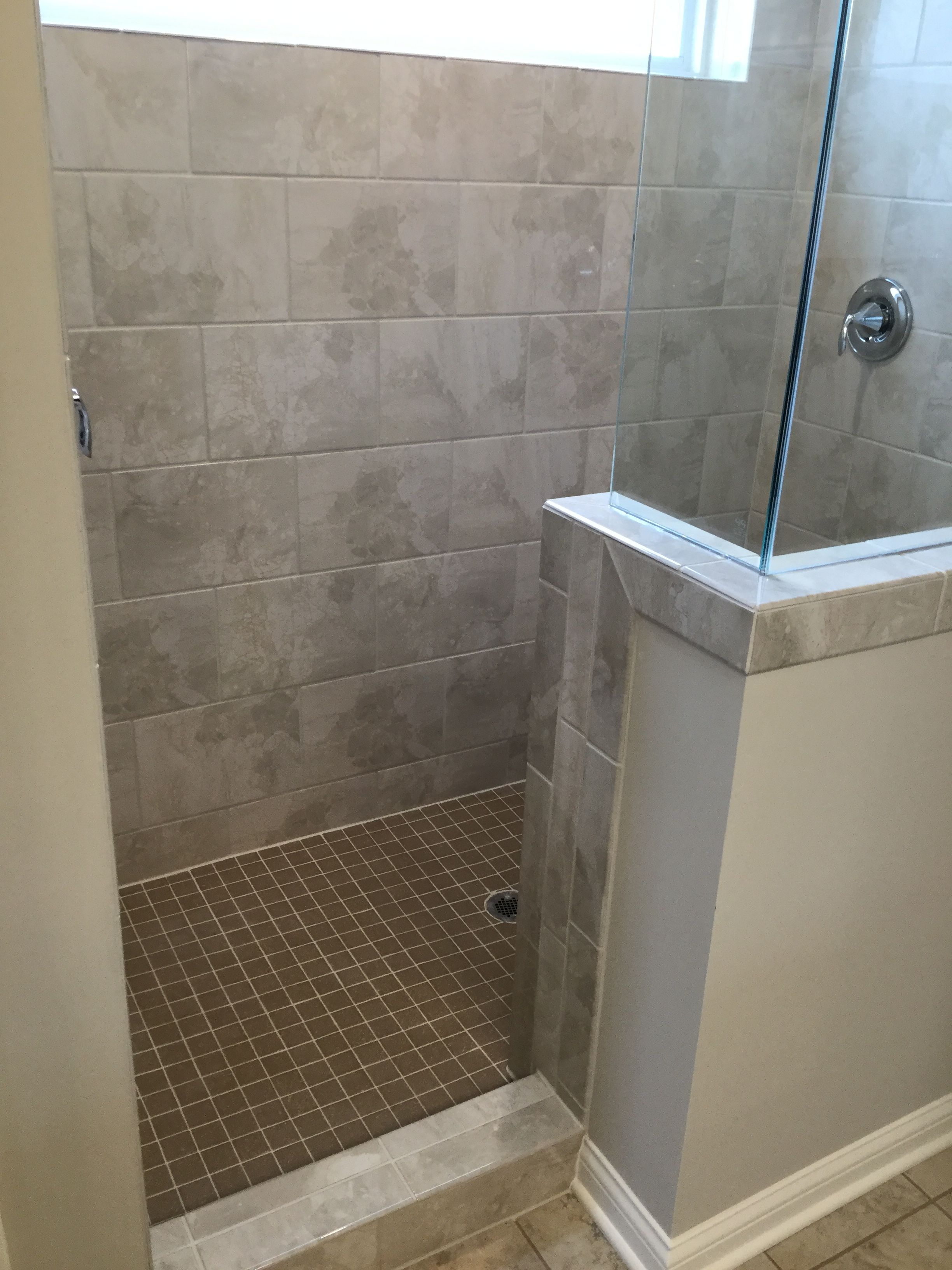 Marble Falls 10x14 Crystal Sands Wall Tile Installed Brick Joint Wall Tiles Tile Installation Room Design