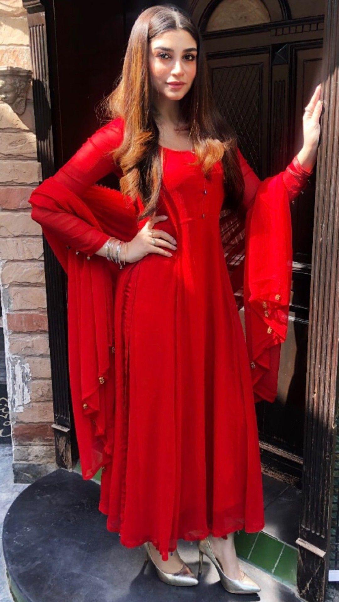 bafba8c696 Pin by 👑mar u.j👑 on Pakistani Celebrities in 2019 | Formal dresses,  Fashion, Girl fashion