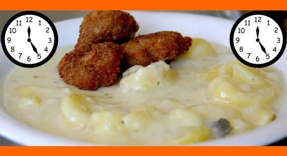 Závodné stravovanie, školská jedáleň. Každý ho už niekde zažil. Recept na zemiakový prívarok s fašírkou je nostalgia, ktorá si zaslúži svoje miesto v našej kuchárke a na našom tanieri. Tento recept Vám dáva do pozornosti: Šéfkuchári.sk