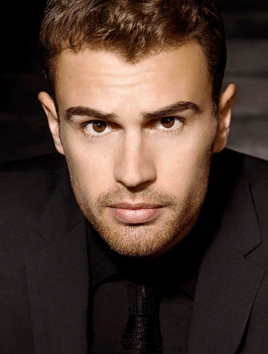 Seriously... who can resist this hottie? #HugoBoss #model #TheoJames