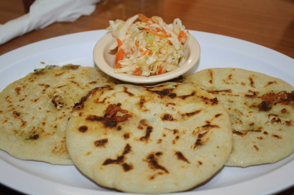 Pupusas Mixtas con Encurtido | Salvadorian food, Food ...Salvadoran Pupusas On Indian School