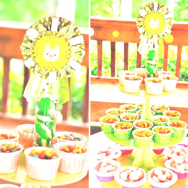 This is such a cute 1st idea for a 1st birthday party! Goldfish and fruit loops.... I have to do this:)