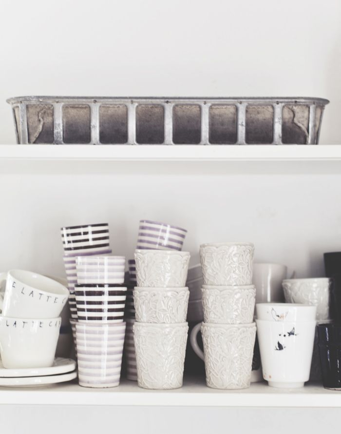 Gorgeous neutral cups / crockery