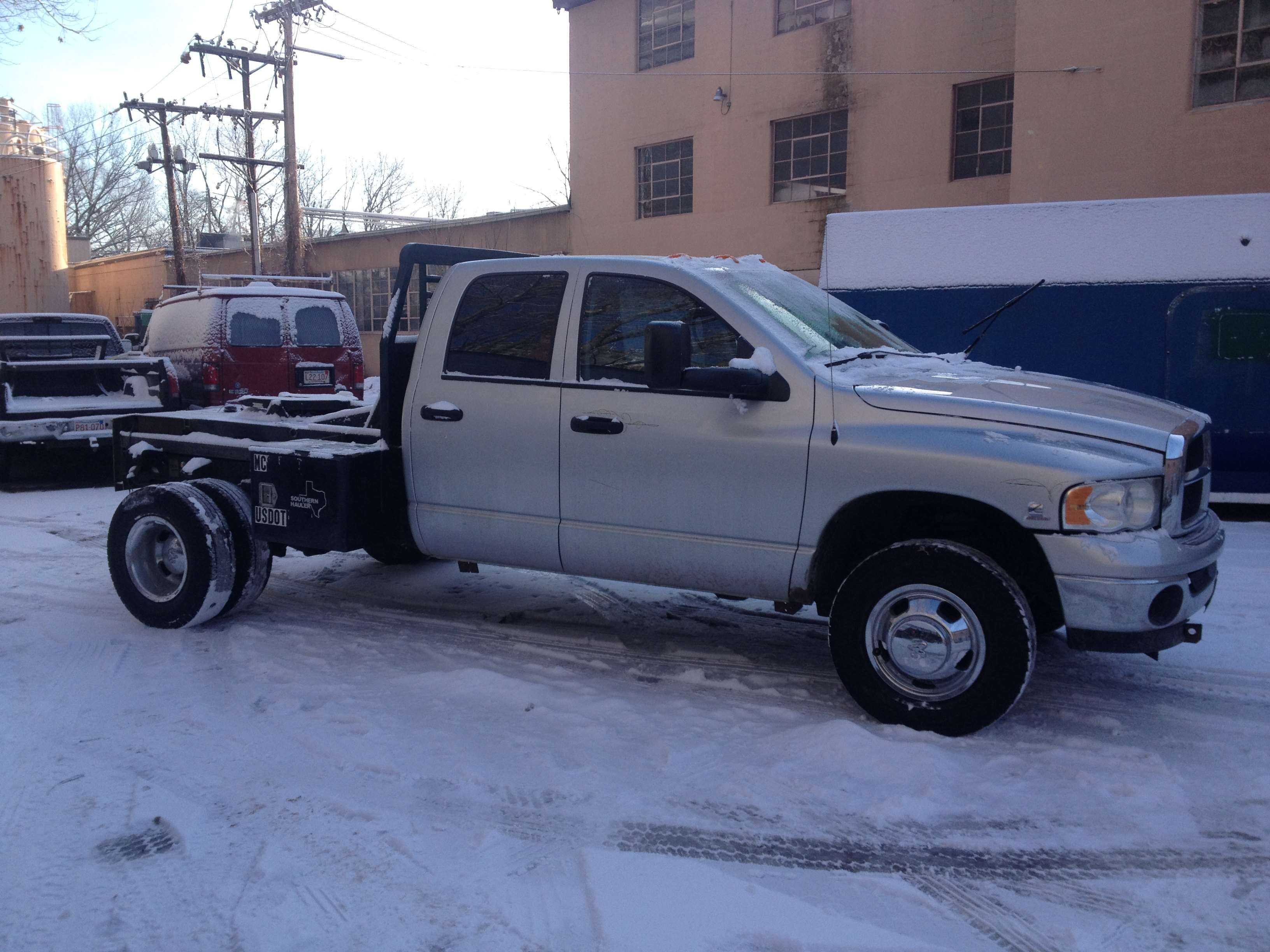 Make:  Dodge Model:  Ram 3500 Truck Year:  2003 Body Style:  Commercial Vehicles Exterior Color: Silver Interior Color: Black Doors: Four Door Vehicle Condition: Good  Phone:  978-870-9014  For More Info Visit: http://UnitedCarExchange.com/a1/2003-Dodge-Ram%203500%20Truck-308993437061