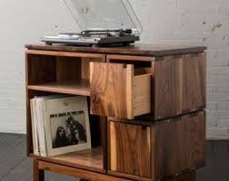 Platenspeler Als Decoratie : Idee voor meubel voor platenspeler en platen met lades vinyl in