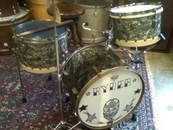 vintage drum kit with tacked bottom heads drums drums drum wrap vintage drums. Black Bedroom Furniture Sets. Home Design Ideas