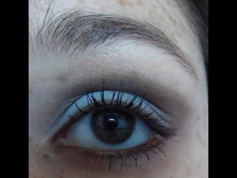 Assista esta dica sobre Como destacar olhos castanhos por Amanda Novolette e muitas outras dicas de maquiagem no nosso vlog Dicas de Maquiagem.