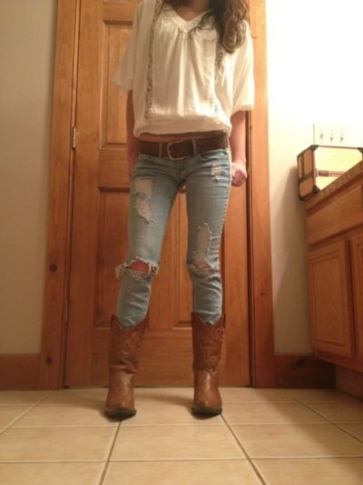 White Blouse Jeans And Boots Botas Cowboy Pinterest Fringe Outfits Clothes And Summer