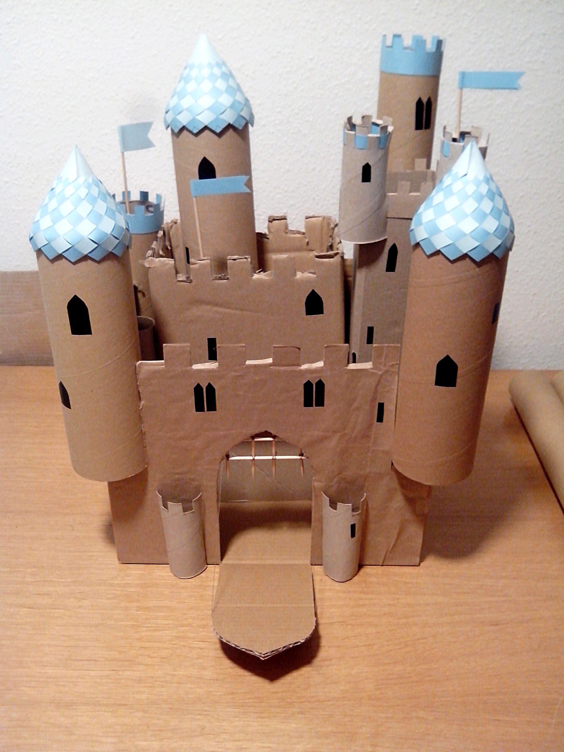El castillo del bel n con rollos de papel craft - Manualidades castillo medieval ...