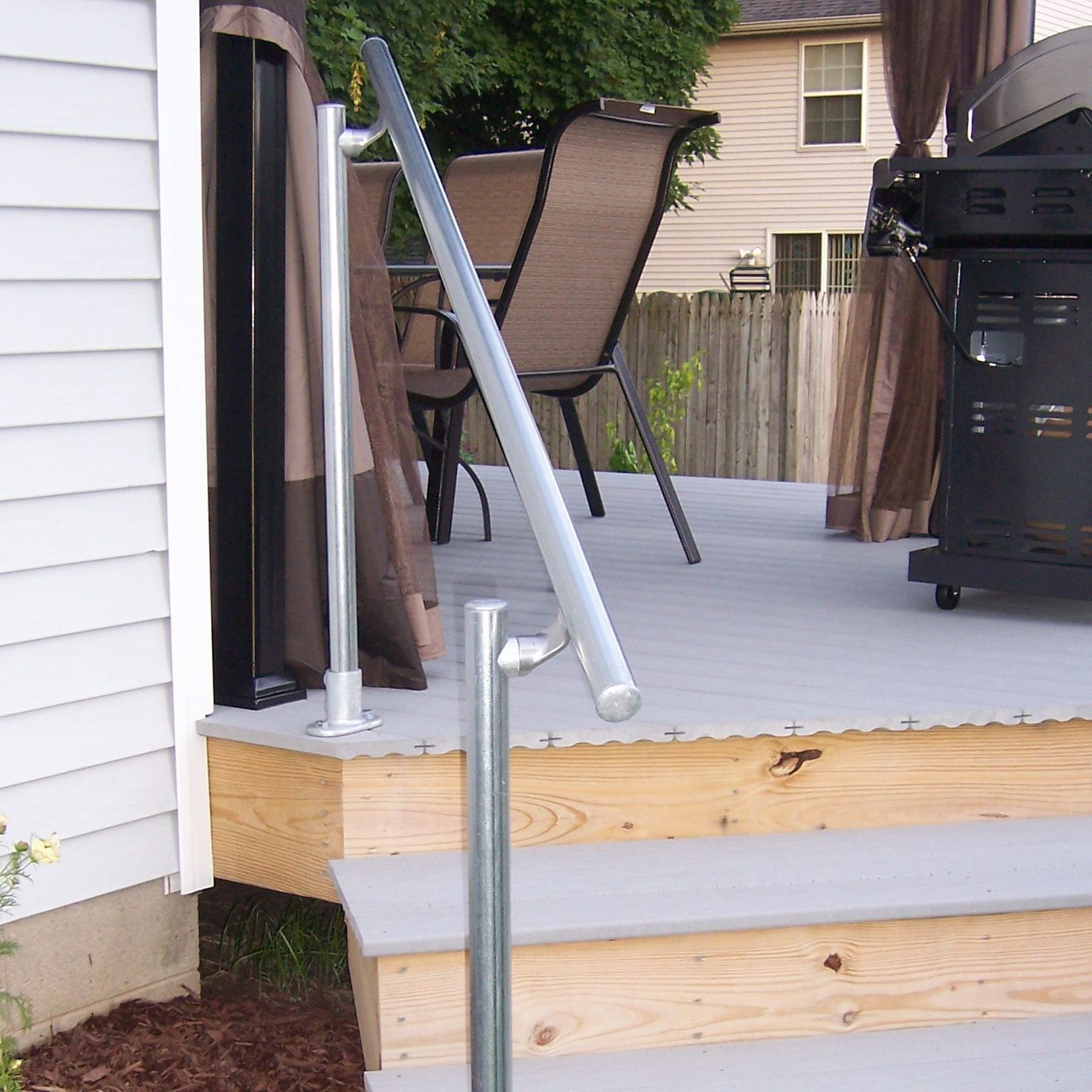 Best Surface L160 Surface Mount Railing In 2020 Outdoor 400 x 300