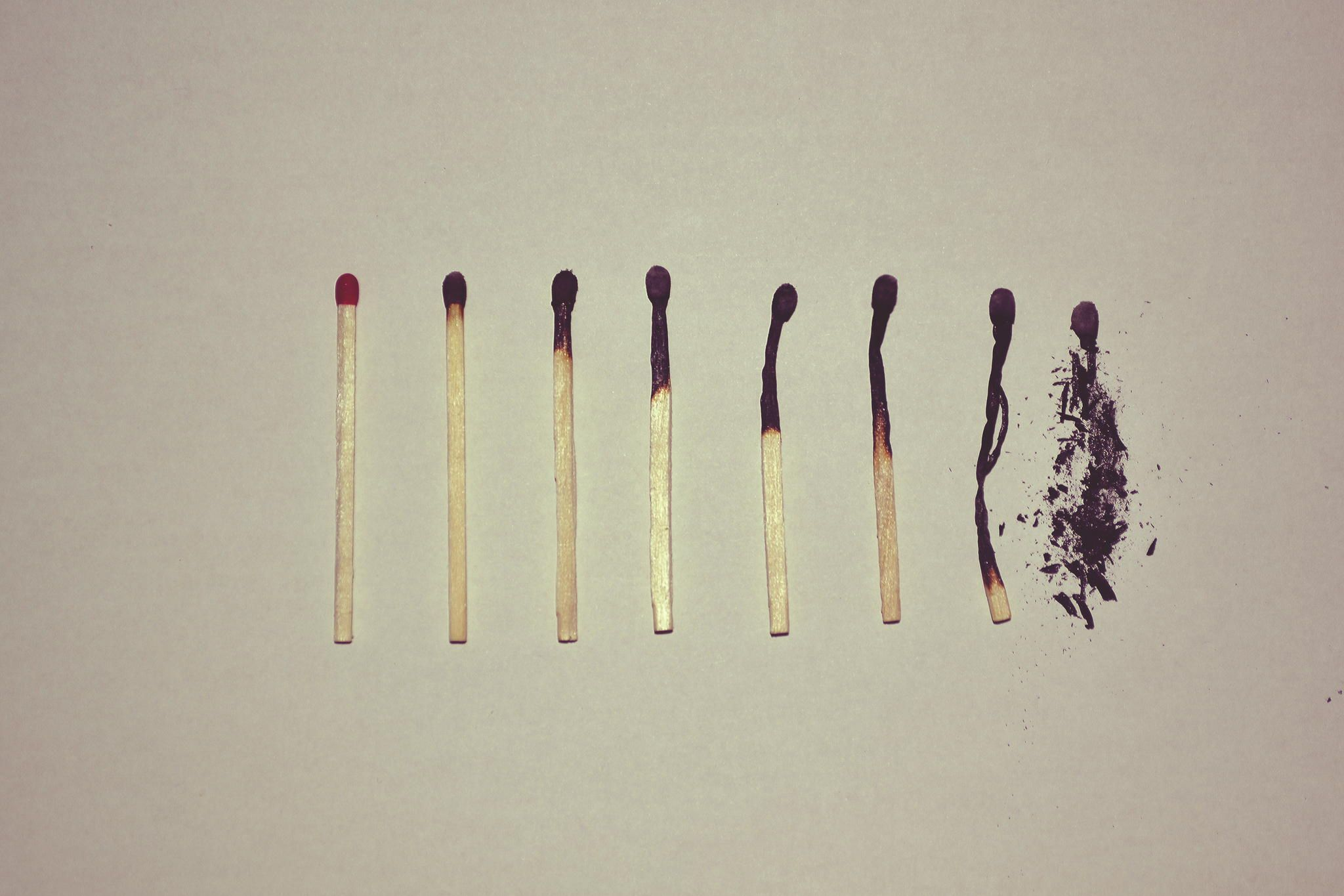 """Depicting life trough matches or how matches go trough their """"life"""""""