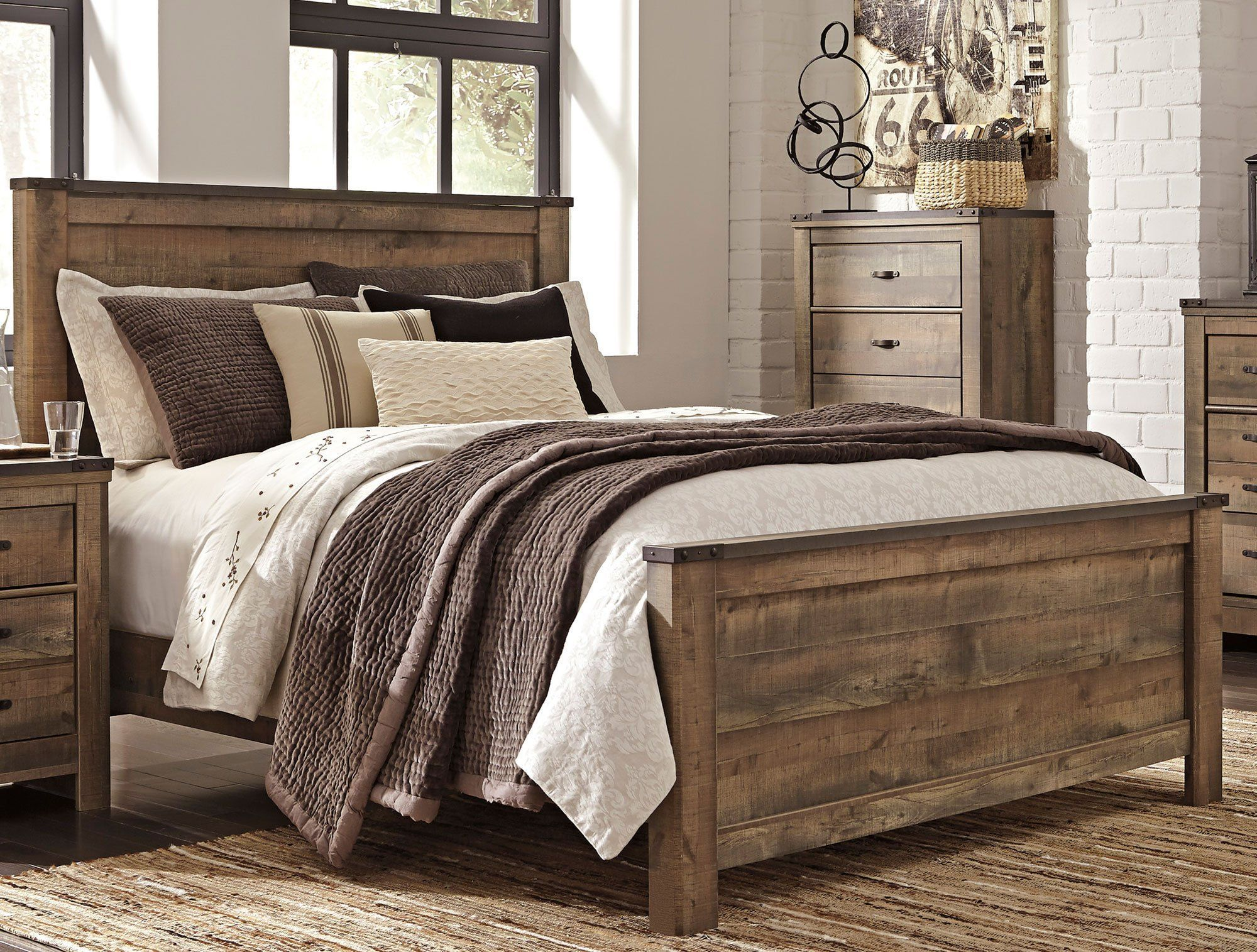 Best Contemporary Rustic Oak Queen Bed Trinell King Bedroom 640 x 480