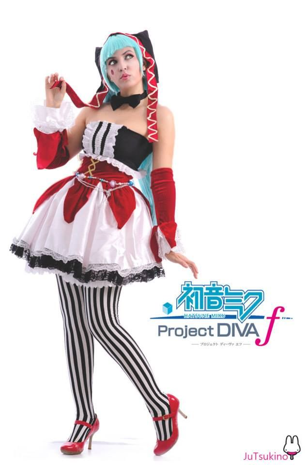 Vocaloid. Character: hatsune Miku. Version: Maid. Cosplayer: Juliana Pereira 'aka' Ju Tsukino 'aka' Lollipop Bunnie. From: Enseada, Brazil. Event: 3º Festival do Japão de Mato Grosso / Cuiaba / 2013. Photo: Cosnet.