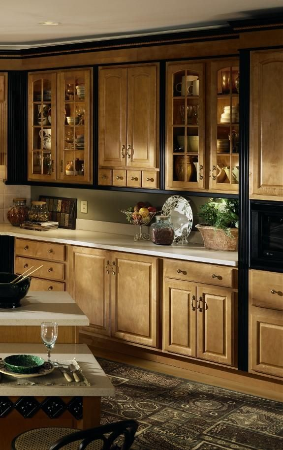 Diamond Lowes | Showcase Gallery > Kitchen Maple cabinets ...
