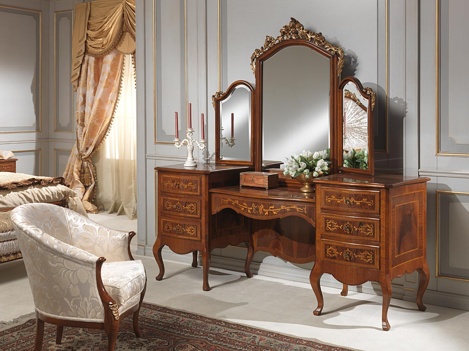 Big Dressing Table In Walnut Wood With Inlays And Antique
