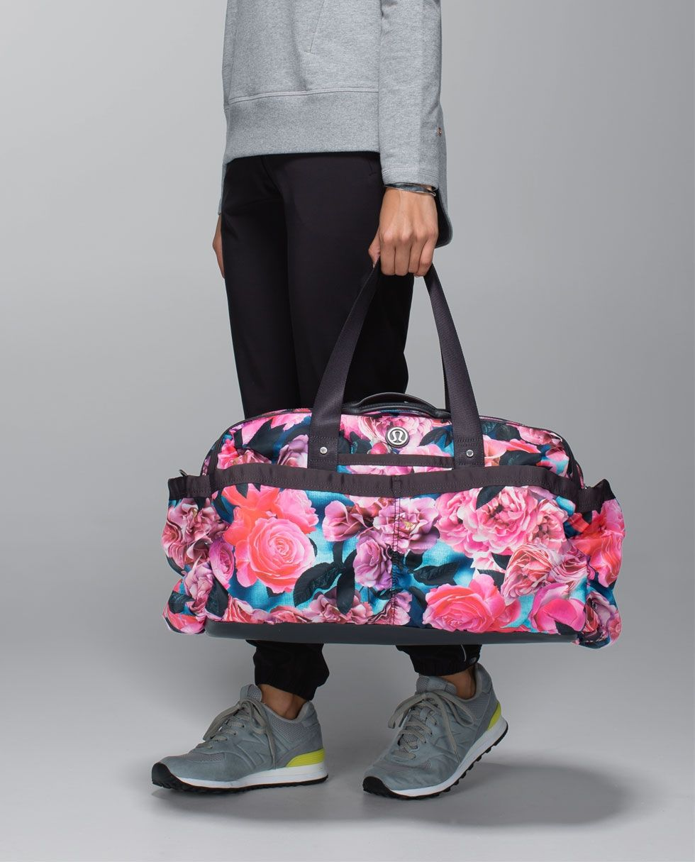 5345db9d8b6 yoga on the fly duffel   women s bags   lululemon athletica   I couldn t  find it in Hawaii, so I bought mine off of eBay. I love this bag!