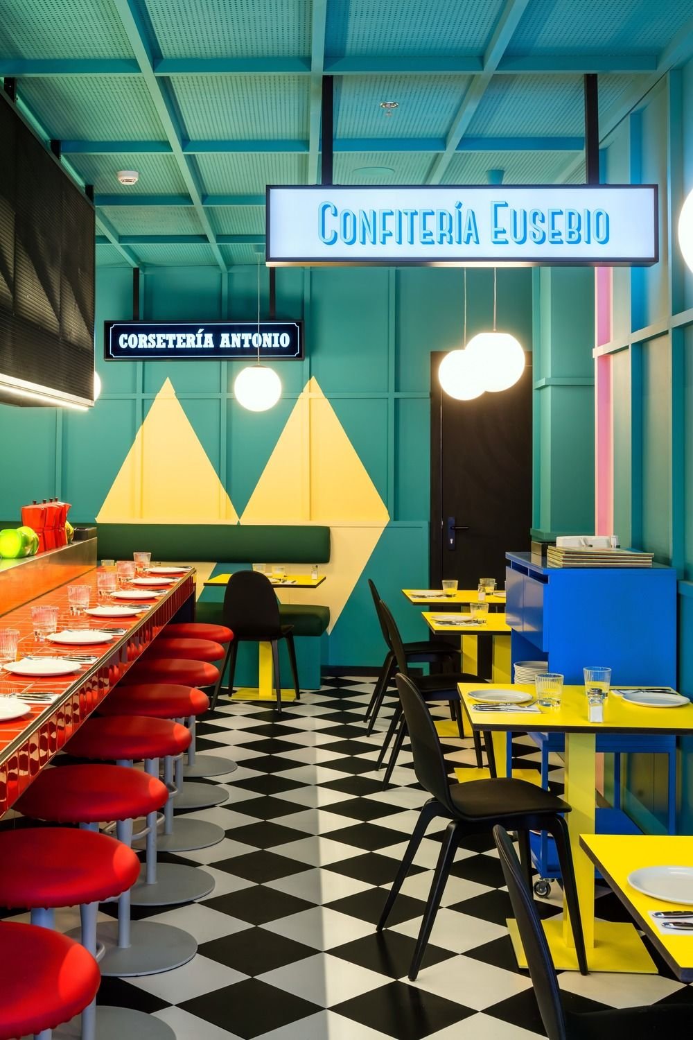 Bold Colours And Vivid Energy In Axel Hotel In Madrid In 2020