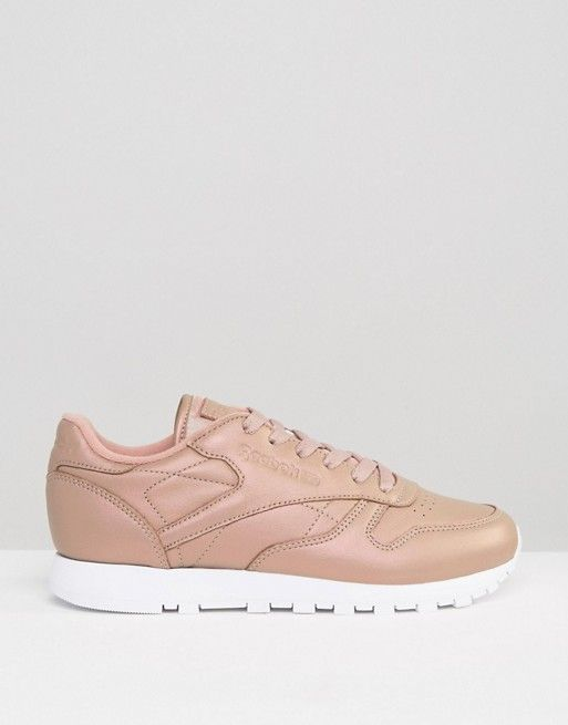 Classic Leather Trainers In Gold Pearl - Gold Reebok kRCegriEg