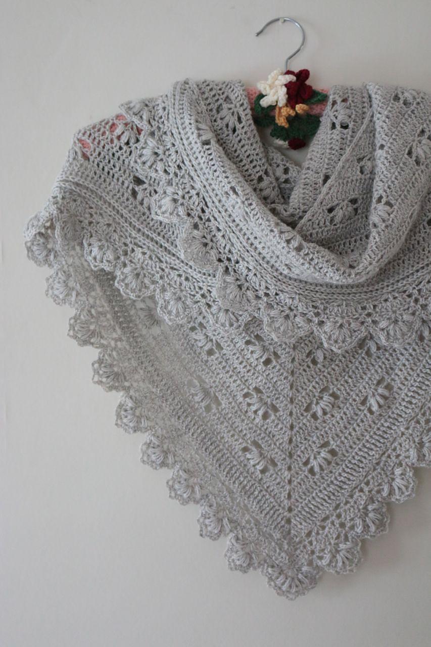 Victoria Shawl pattern by Sandra Paul   Pinterest   Chal, Ponchos y ...