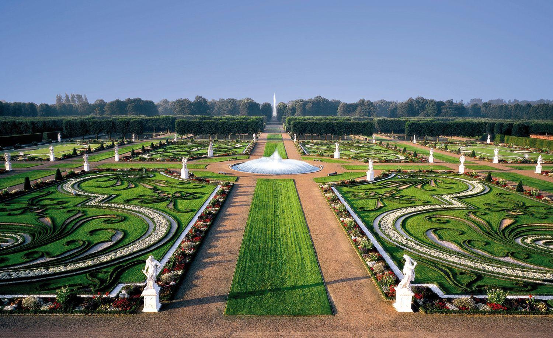 The Royal Gardens Of Herrenhausen In Hannover Germany Hannover Grosser Garten Hannover Herrenhauser Garten