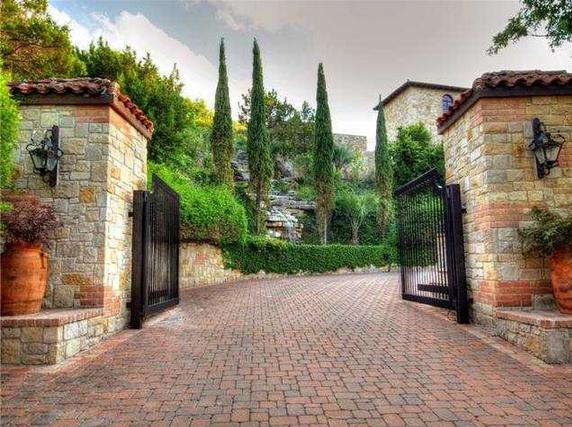 Entrance Gates Tuscan Style Estate Austin Texas Grand
