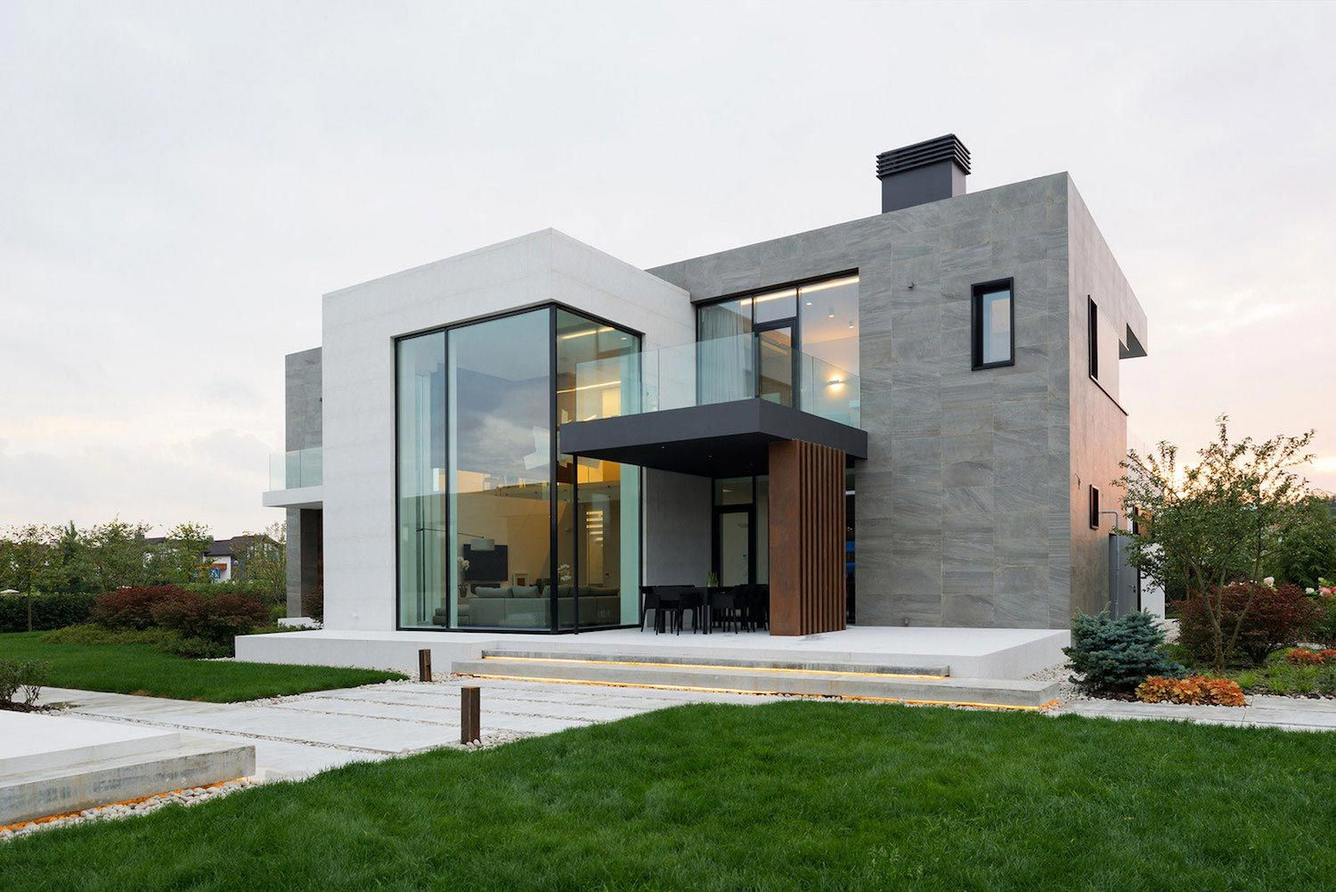 Elegant contemporary country house in the Suburbs of Pestovo Russia ...