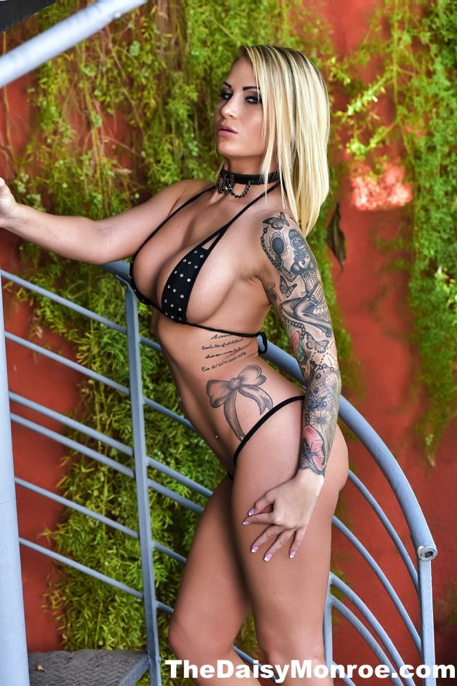 blonde-rockabilly-pornstars