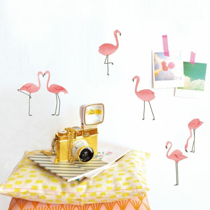 Fancy Flamingo Wandsticker als Wanddekoration im Wohnzimmer