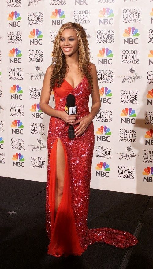 Beyonce in a sexy red sequins dress  bc919429d1af